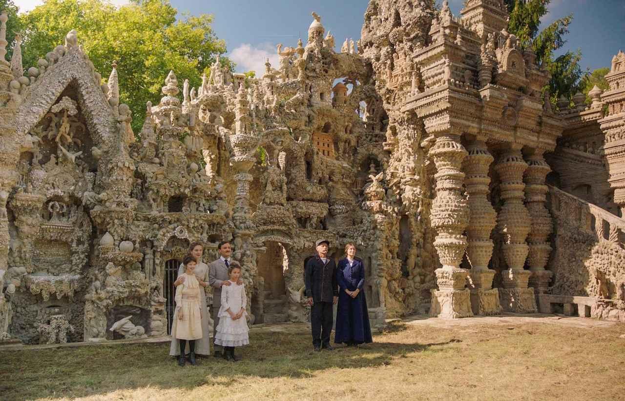 画像: 奇跡の宮殿を一人で創った男と家族の生き方に迫りたい