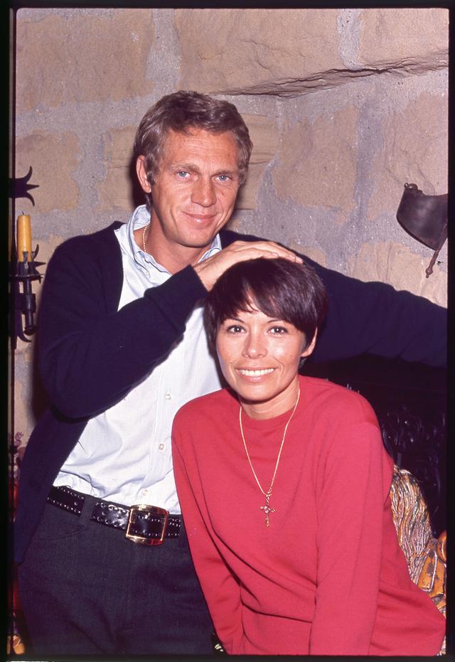 画像: 最初の妻は舞台女優だったニール・アダムス