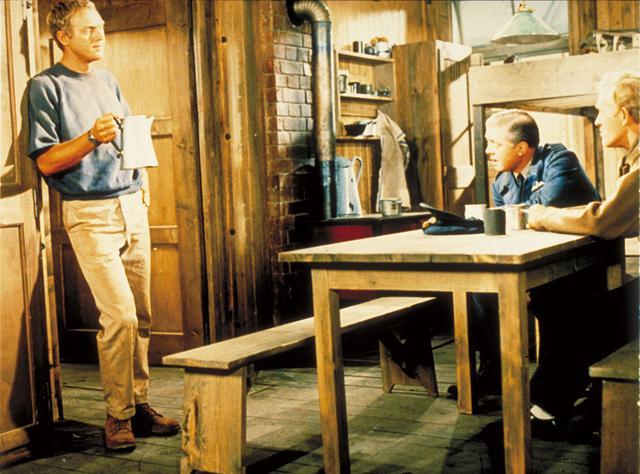 画像: マックイーンが演じたのは独房王と呼ばれるヒルツ大尉