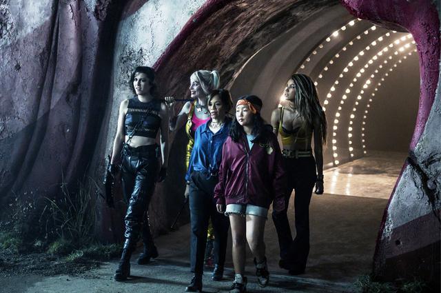 画像: 女性たちがチームを組むガールズ・アクションでもあります © 2020 Warner Bros. Ent. All Rights Reserved TM & © DC Comics