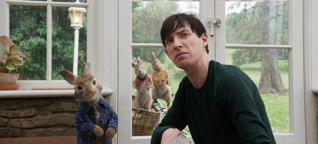 画像: 潔癖症の青年×いたずらウサギ 「ピーターラビット」(2018)