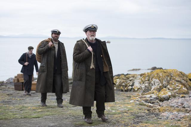 画像: 無人島にやって来た3人の灯台守