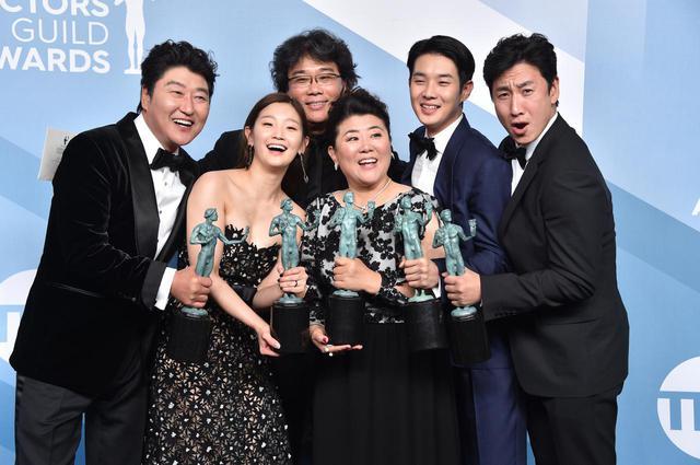 画像: 全米俳優組合賞(SAG)ではアンサンブル・キャスト賞を受賞