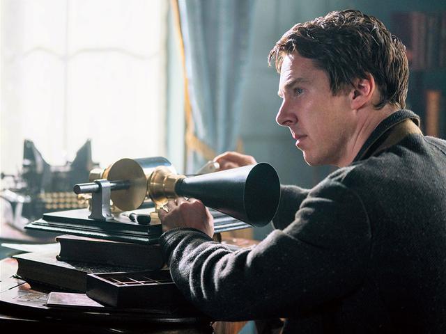 画像: 発明家エジソンの電流をめぐる争いを描く