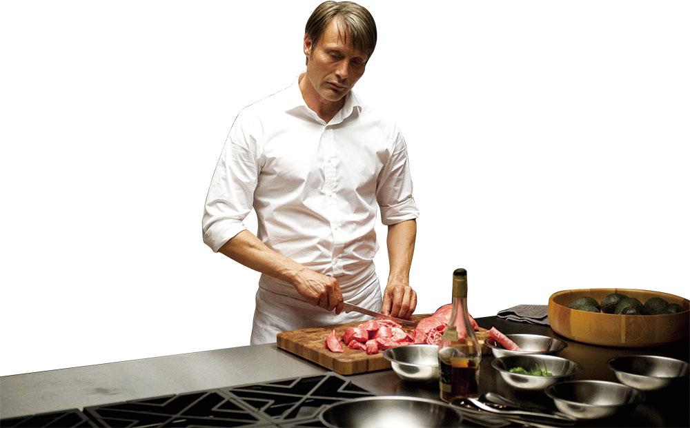画像: マッツが演じる料理のシーンも人気が高い