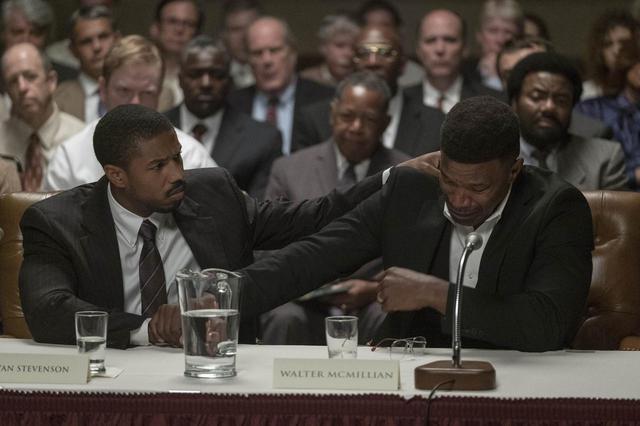 """画像: """"真の正義""""とは?今月の編集部イチオシ映画「黒い司法 0%からの奇跡」 - SCREEN ONLINE(スクリーンオンライン)"""