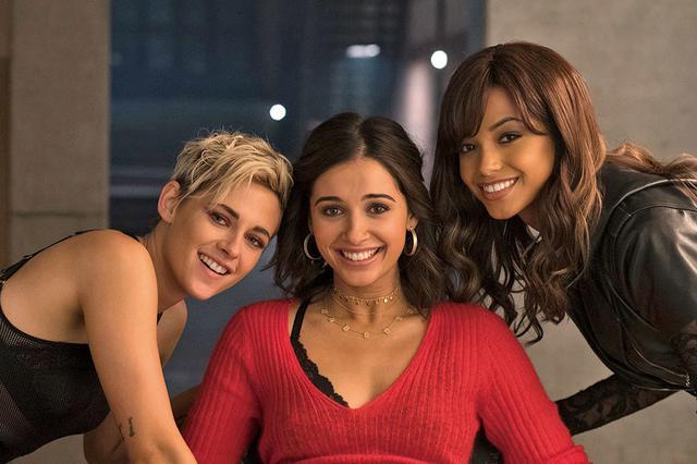 画像: 特典では三人の仲良しぶりが伝わる映像が満載