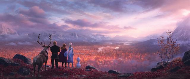 画像: 名作アニメーション「眠れる森の美女」や実際の北欧の景色からインスピレーションを受けた神秘的な風景は見どころのひとつ