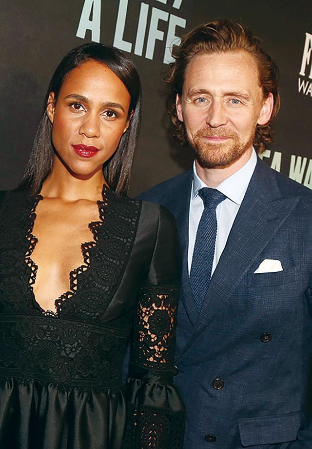 画像: 新しい恋人と噂のゾーと一緒のトム