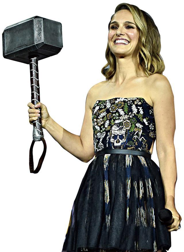 画像: ナタリー・ポートマンが女性版ソーを演じる