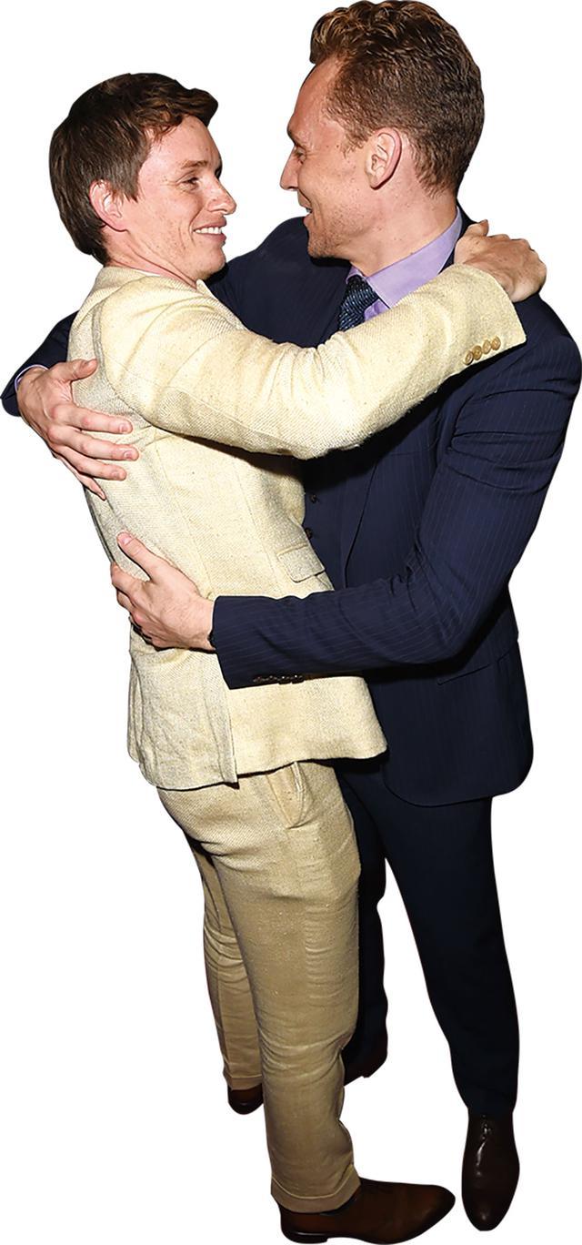 画像: トロント映画祭で再会し抱き合うエディとトム