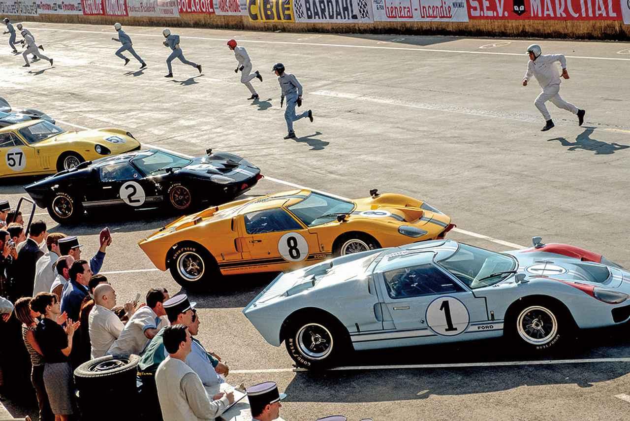 画像: コースを走る車は当時の設計図に忠実に再現。ホコリの付き具合まで研究されている