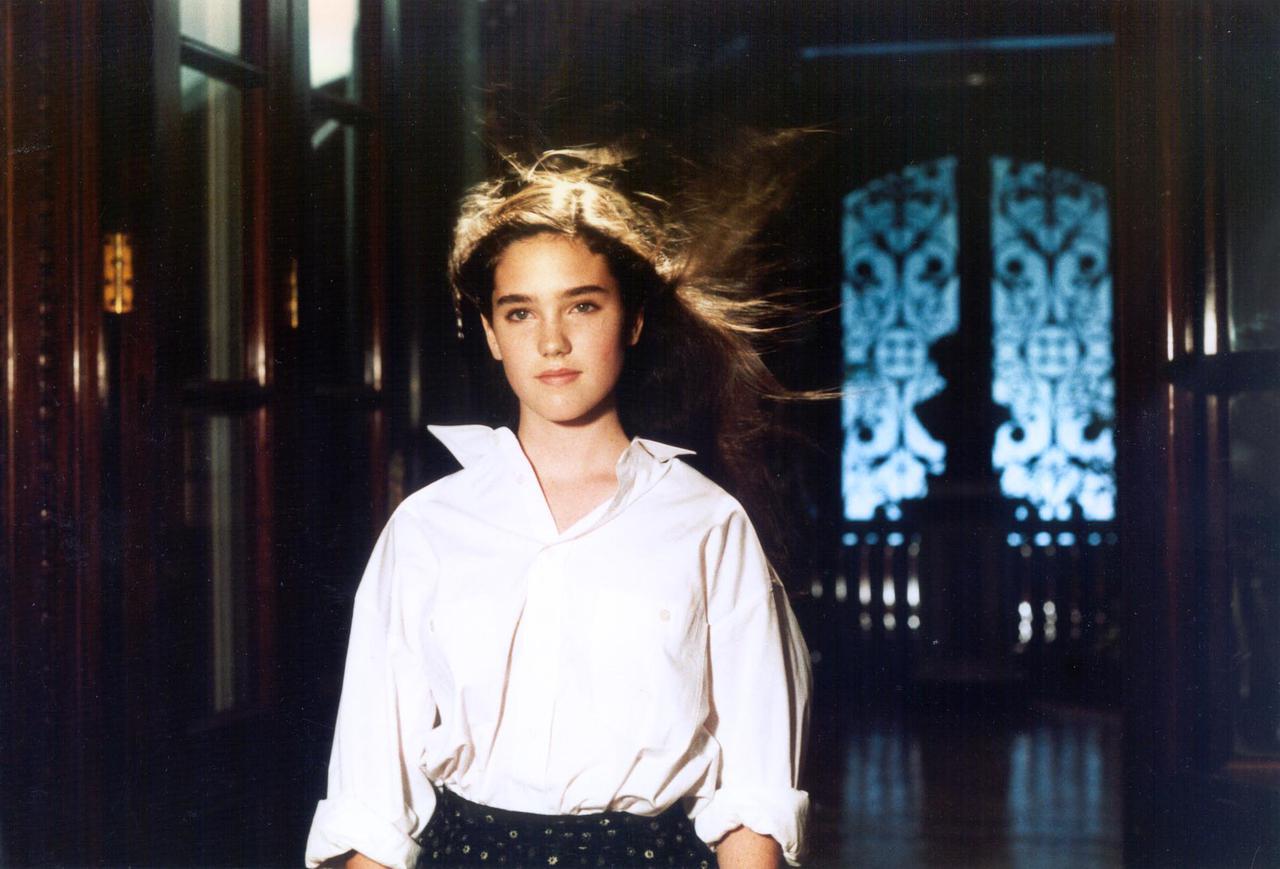 画像: ジェニファー・コネリーの純粋な美しさも見どころのひとつ