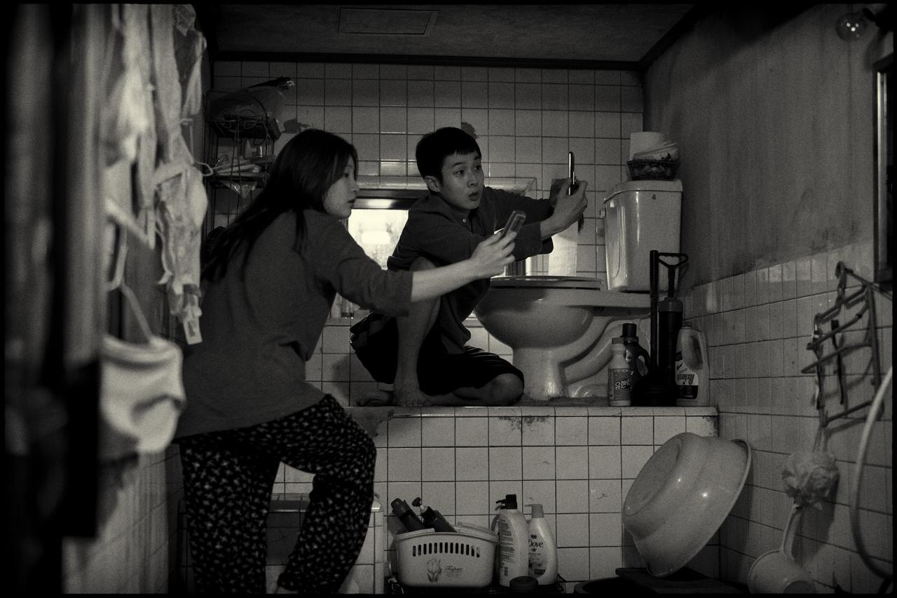 画像1: 『パラサイト 半地下の家族』旋風再び! IMAX版&モノクロ版が公開