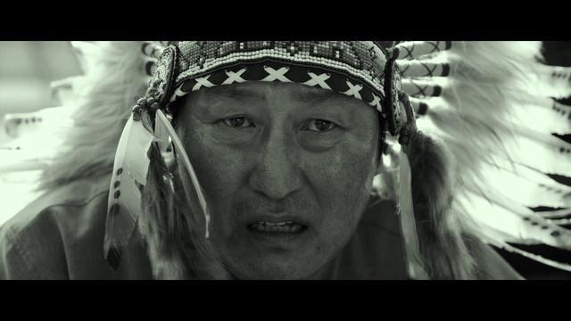 画像: 『パラサイト 半地下の家族』モノクロVer.予告編 www.youtube.com