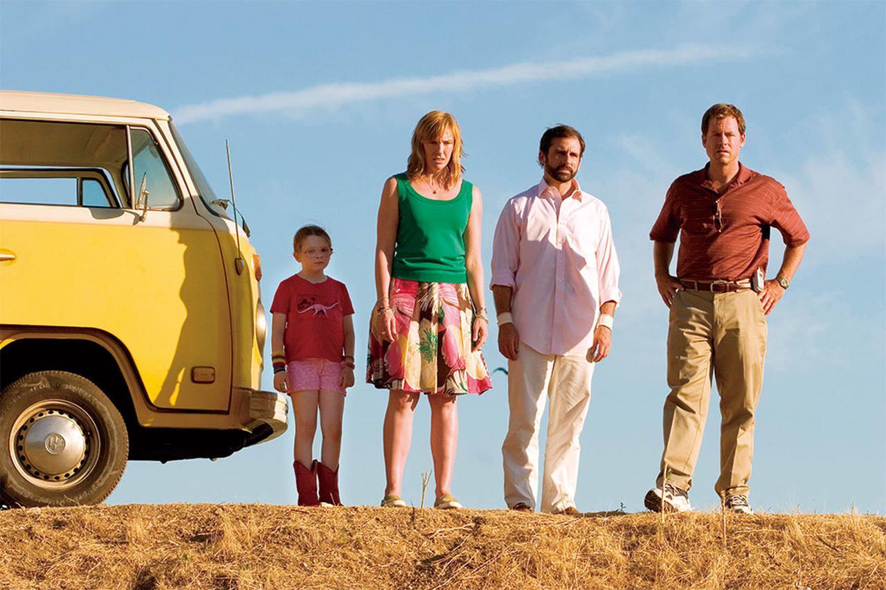 画像: 家族が乗り込むのは「希望」色のバス 「リトル・ミス・サンシャイン」(2006)