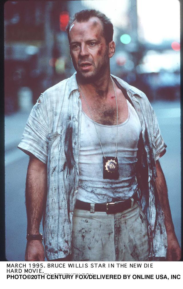 画像: 「ダイ・ハード」の不死身刑事マクレーンも2人の子を持つ父。4作目では娘、5作目では息子が登場する(写真は3作目)