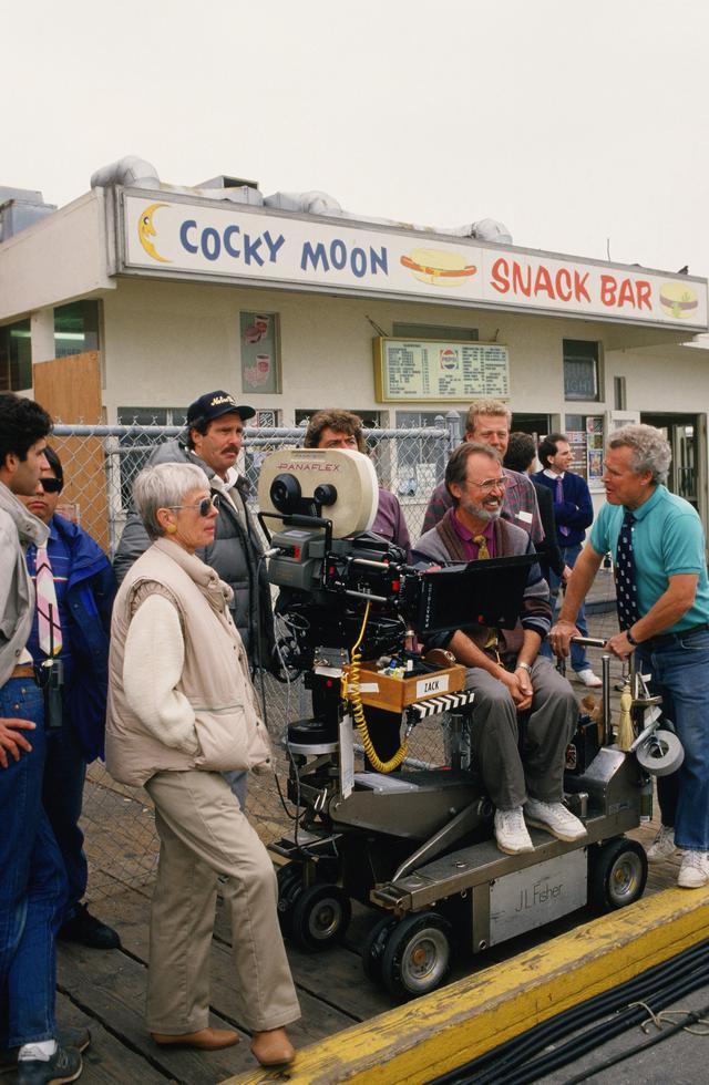 画像: 6月12日以降一定の条件を満たせば映画・ドラマの製作を認めるとカリフォーニア州知事が発言したが…