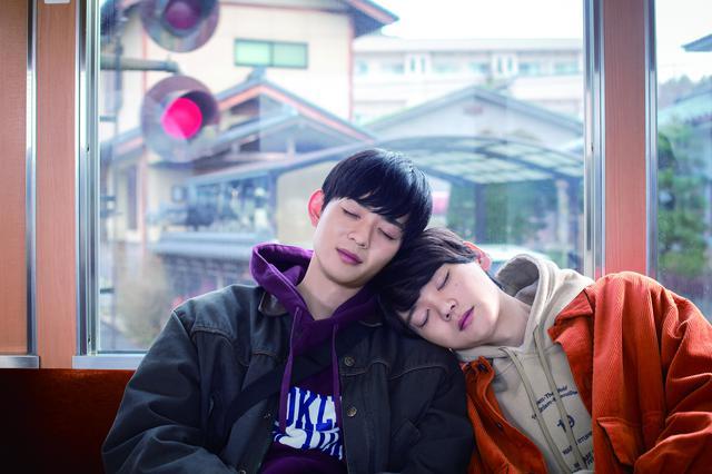 画像: 左から:竜星涼、古川雄輝 ©2020 映画「リスタートはただいまのあとで」製作委員会