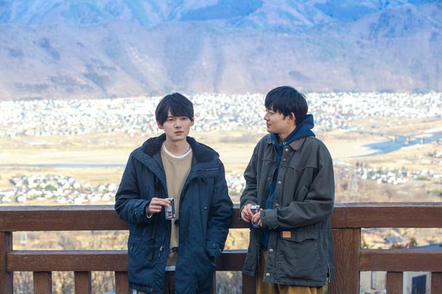 画像: 左から:古川雄輝、竜星涼 ©2020 映画「リスタートはただいまのあとで」製作委員会