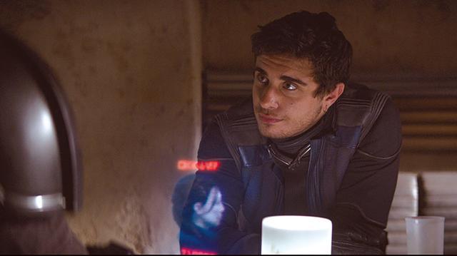 画像: トロは酒場カンティーナでマンドーを勧誘