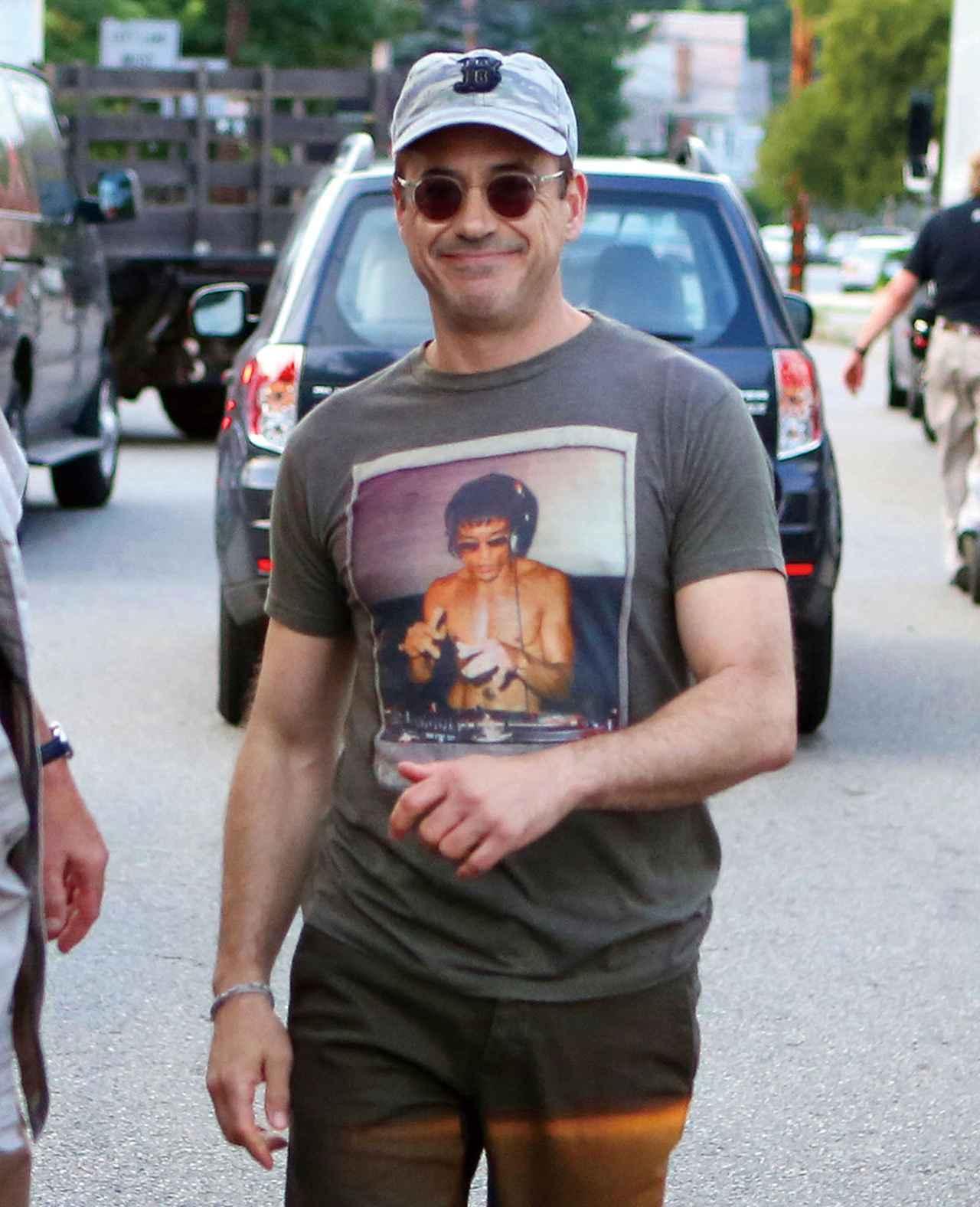 画像12: 何を着てもキマってる!Tシャツが似合う夏の海外セレブたち