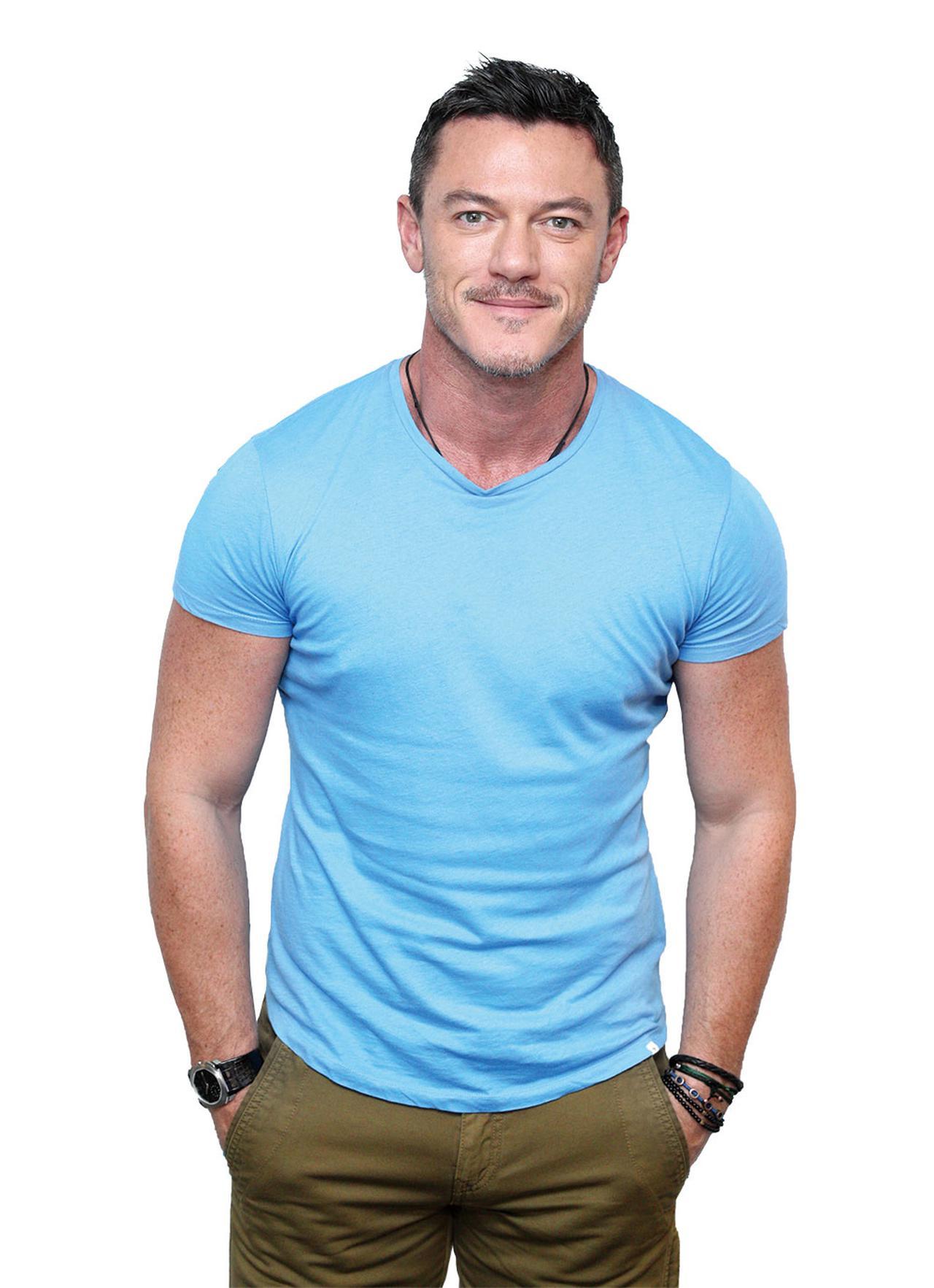 画像8: 何を着てもキマってる!Tシャツが似合う夏の海外セレブたち