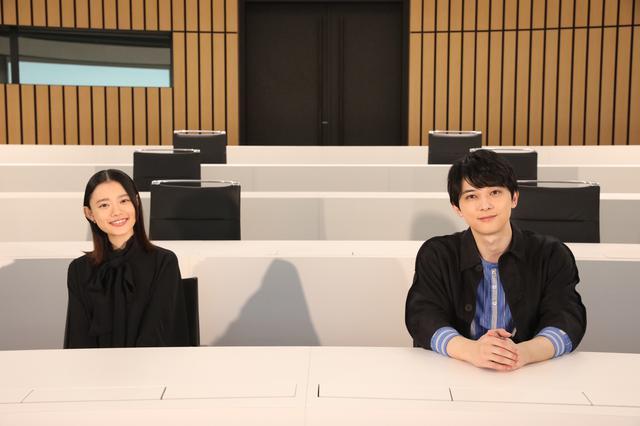 画像2: 写真左から:杉咲花、吉沢亮 ©2020「青くて痛くて脆い」製作委員会