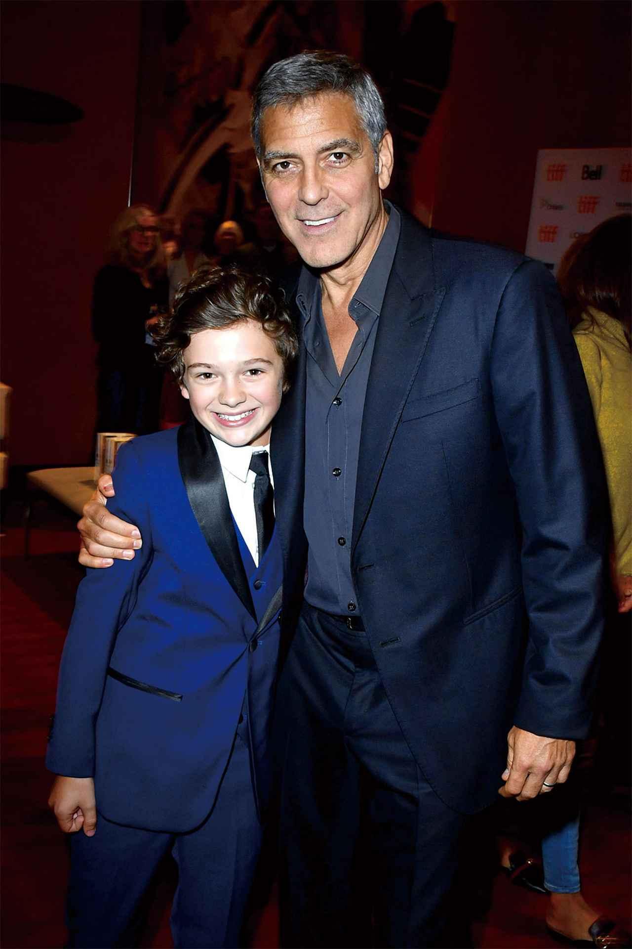 画像: 「サバービコン」で監督を務めた ジョージ・クルーニーはノアの演技を大絶賛!