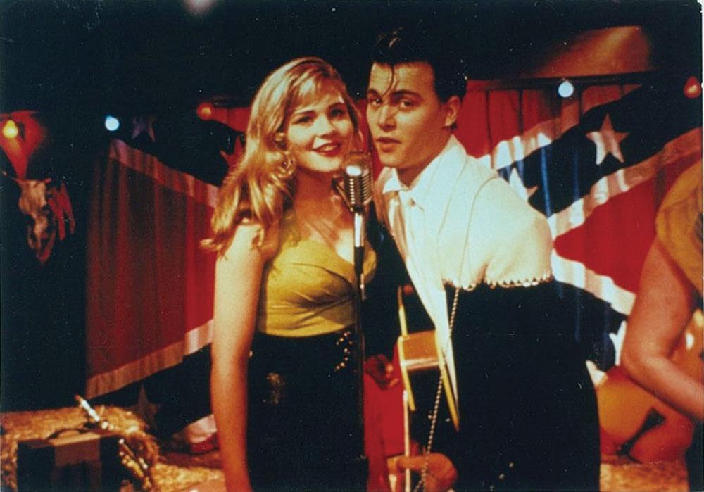画像: 初主演作「クライ・ベイビー」はもう30年前の作品