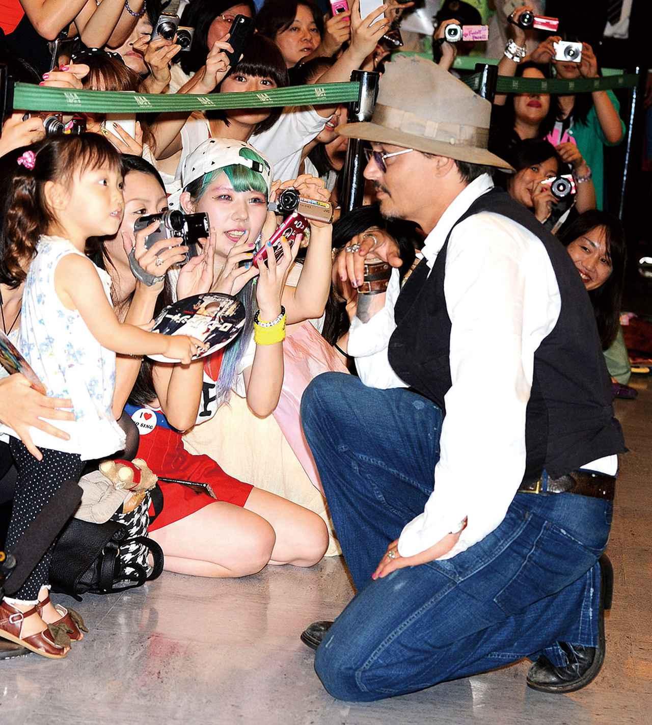 画像: 日本のファンの前で優しい神対応もしばしば見せてくれた