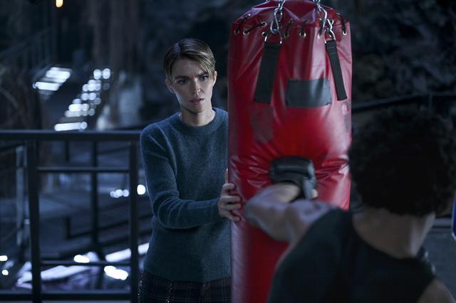 画像2: バットウーマンを演じるルビー・ローズのインタビューが到着!