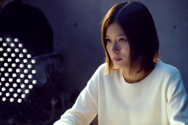 画像: 女子大生・聖山環菜(芳根京子) Ⓒ2021『ファーストラヴ』製作委員会