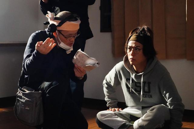 画像: 『事故物件 恐い間取り』亀梨和也・奈緒・瀬戸康史のメイキング写真が公開 - SCREEN ONLINE(スクリーンオンライン)
