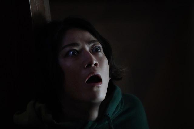 画像: 亀梨和也、恐怖に慄く場面写真解禁!『事故物件 恐い間取り』 - SCREEN ONLINE(スクリーンオンライン)