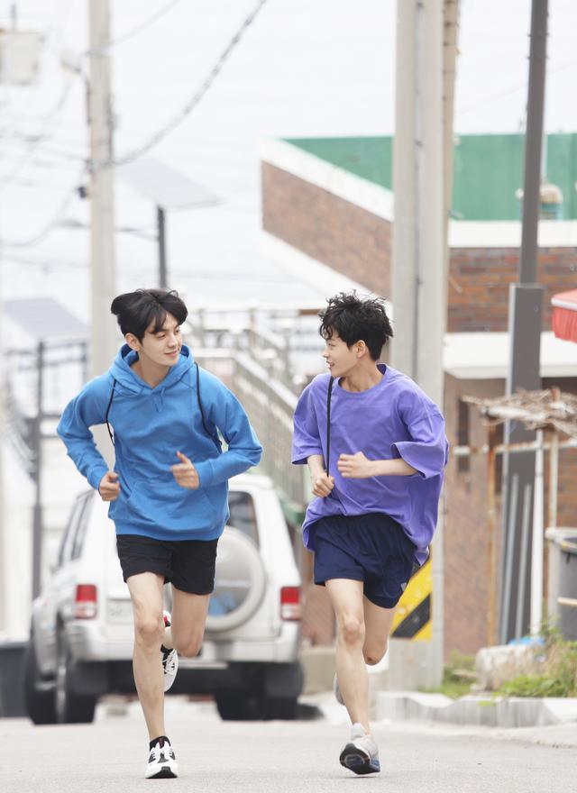 画像2: マラソン選手とペースメーカーの愛と友情の物語!