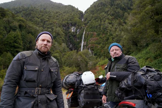 画像: ユアン・マクレガー(左)とチャーリー・ブアマン