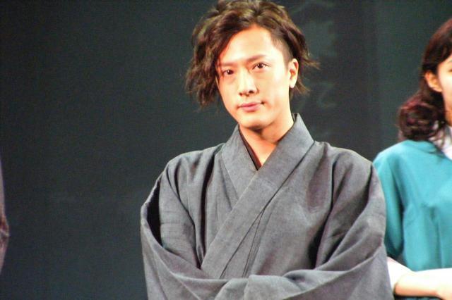 画像: 主演の内 博貴(太宰 治役)