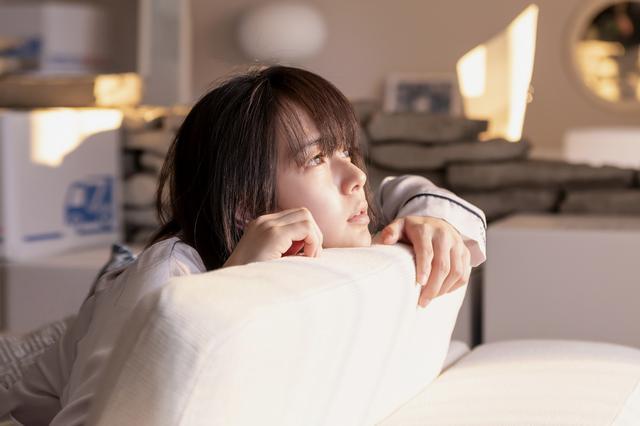 画像1: 多部未華子出演映画『空に住む』岸井ゆきの、美村里江、岩田剛典ら出演キャスト写真が公開