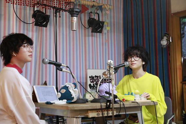 画像: ©2021「雨降ラジオ」製作委員会 写真左から:ゆうたろう、板垣李光人