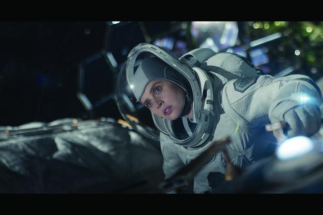 画像2: 孤独な男は《滅びゆく地球》に帰還しようとする宇宙船を救えるか?