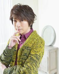 画像: 番組ホストのベア・グリルスを声を担当する小野大輔