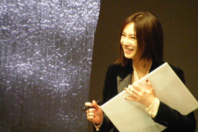 画像2: 映画『ドクター・デスの遺産―BLACK FILE―』完成報告イベントに主演・綾野剛と北川景子が登壇!芸能界同期の2人のコンビ度は何%?