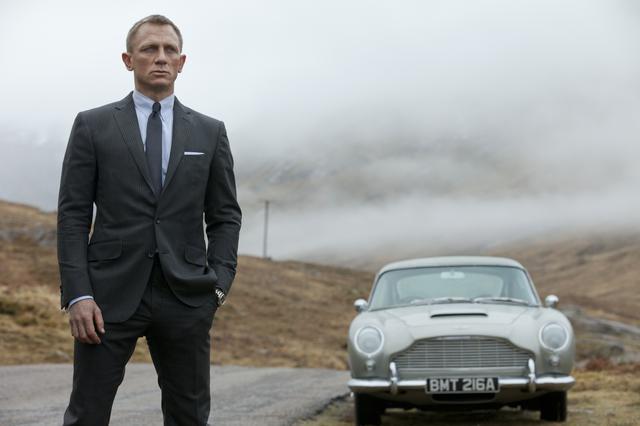 画像: 狙われたMを守るためボンドは自身の故郷に戻ることに 「007 スカイフォール」(2012)より