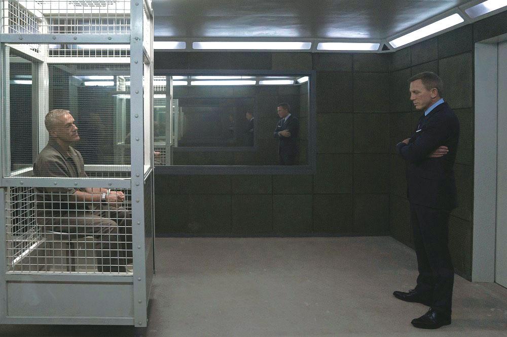 画像: 囚われの身のブロフェルド(クリストフ・ヴァルツ)はマドレーヌの隠された顔を知っているのか?