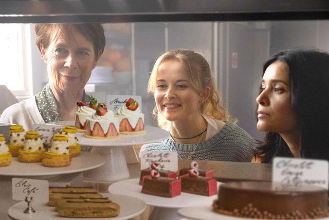画像1: 3世代女性の営む店にイケメンシェフ降臨!『ノッティングヒルの洋菓子店』本編映像公開
