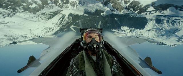 画像: \ここに注目!/ 実際の戦闘機を駆使した映画史上初の空中撮影