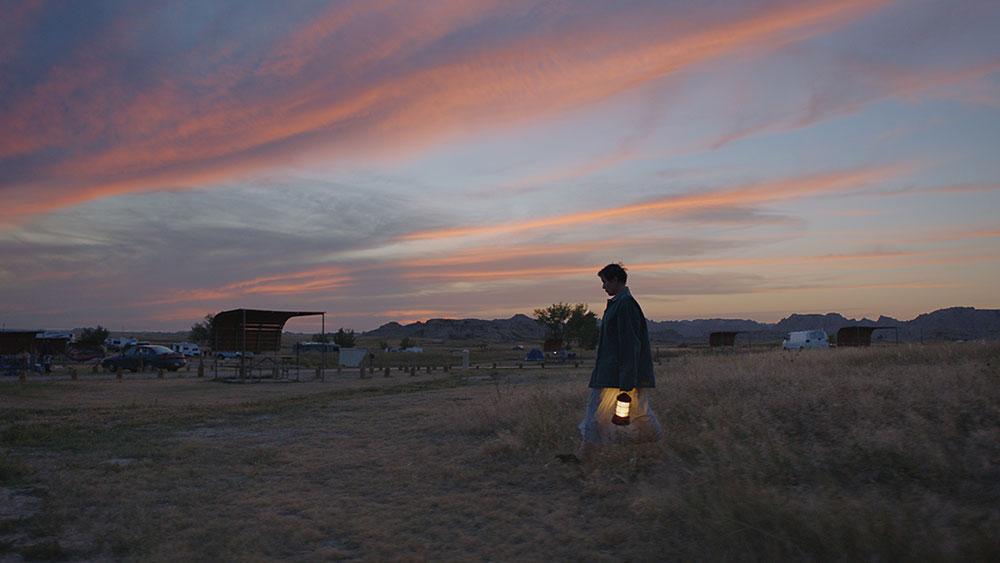 画像: 米西部の厳しくも壮大な自然や路上を捉えた崇高な映像美も見どころ
