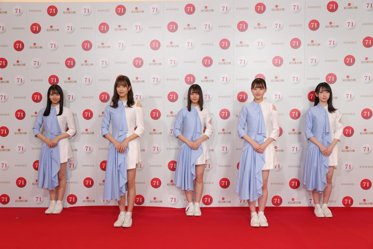画像: 写真左から:上村ひなの、佐々木久美、小坂菜緒、佐々木美玲、金村美玖