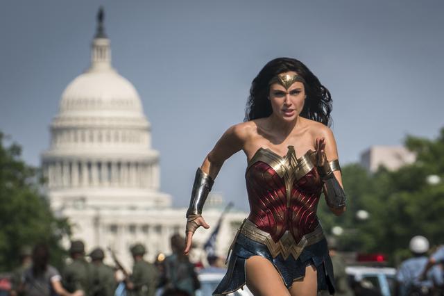 画像: 「ワンダーウーマン1984」は劇場公開と配信が同日に開始となる措置に (C)2020 Warner Bros. Ent. all Rights reserved. TM & (c)DC Comics